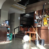 Photo taken at Garage 88 Diner by レーネ —. on 12/6/2012