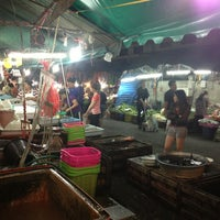 Photo taken at Mueang Mai Market by 🚶NoOKii3 (´▽`) 🏃 on 3/9/2013