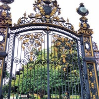 Photo taken at Parc Monceau by Katie H. on 7/23/2013