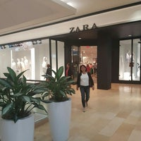 Photo taken at Zara by Ali A. on 6/3/2016