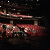 Photo prise au Vivian Beaumont Theater par Grace C. le11/25/2012