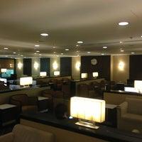 Das Foto wurde bei Singapore Airlines SilverKris Lounge von Osamu Y. am 7/20/2013 aufgenommen