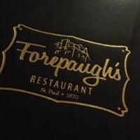 Foto tomada en Forepaugh's Restaurant por Christine A. el 12/24/2016
