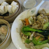 Photo taken at Mandala Chinese Restaurant by Hafiz D. on 11/24/2012