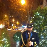 Foto tomada en Hotel Wellington por Elvira M. el 12/22/2012