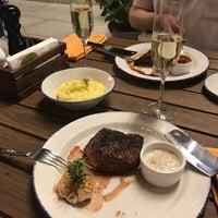 8/18/2017 tarihinde Daria R.ziyaretçi tarafından Steak It Easy'de çekilen fotoğraf