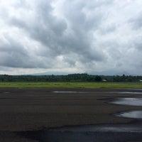 Photo taken at Sultan Muhammad Kaharuddin airport Sumbawa Besar by Nunik R. on 12/18/2016