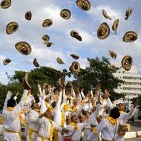 Photo taken at Glorieta de 7 bocas by Lau F. on 4/29/2013