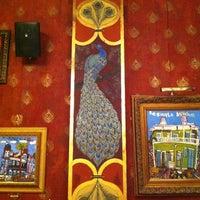 Das Foto wurde bei Bronze Peacock von Asher Roth am 11/8/2012 aufgenommen