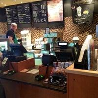 Das Foto wurde bei Starbucks Reserve von Roman T. am 6/17/2013 aufgenommen