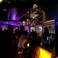 รูปภาพถ่ายที่ W Lounge โดย Sıtkı D. เมื่อ 11/1/2012