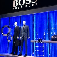 Photo prise au BOSS Store par Jean-Yves D. le1/18/2013