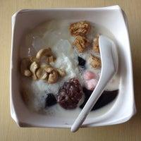 Photo taken at Nokcha - Korean Dessert by Noi N. on 6/5/2015