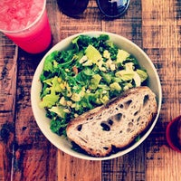 Photo prise au sweetgreen par Kris K. le7/27/2013