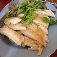 Photo taken at พี่ทิพย์อาหารเช้า by Wipawee S. on 10/18/2013