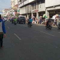 Photo taken at Jalan Otto Iskandardinata by fendy on 8/6/2013