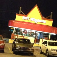 Photo taken at Hot Wing Atlanta by Laeann A. on 1/27/2013