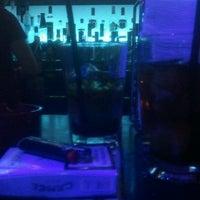 Das Foto wurde bei Club Loco von Alexander W. am 12/6/2012 aufgenommen