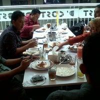 Photo prise au D'Cost Seafood par Raditya le1/9/2014