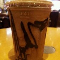 Снимок сделан в Costa Coffee пользователем zuhair h. 11/2/2012