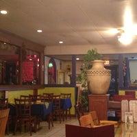 Foto tomada en Fridas Mexican Grill por Lani el 2/6/2013