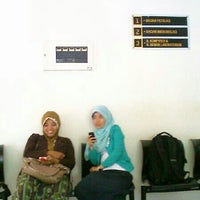 Photo taken at Fakultas Kedokteran Hewan by Ben B. on 2/26/2013