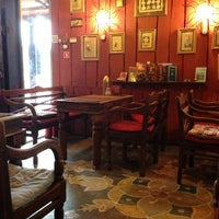 Снимок сделан в Кофейня «Кардамон» и лавка «Коллекция Пустяков» пользователем Maxim K. 4/18/2013