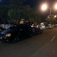 Photo taken at parkiran samping gasibu by Tumpal Bonardo P. on 9/19/2013
