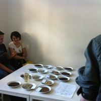 Das Foto wurde bei Kaffeefabrik von Stefanie W. am 10/6/2012 aufgenommen