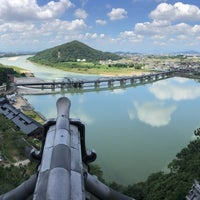Photo taken at 犬山城 天守閣 by T on 7/21/2018