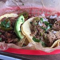 Foto scattata a Torchy's Tacos da Andre M. il 2/28/2017