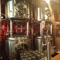 รูปภาพถ่ายที่ DryHop Brewers โดย Casey S. เมื่อ 7/31/2013