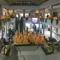 Das Foto wurde bei Moda Shopping von Felix C. am 11/24/2012 aufgenommen