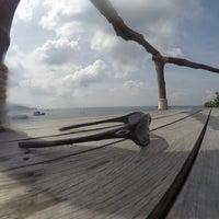 Photo taken at Koh Tao Cabana by Melvin N. on 12/28/2016