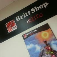 Photo taken at Oficina Britt Shop México by Roberto U. on 1/27/2014