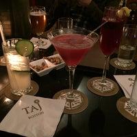 Foto scattata a The Bar at the Taj Boston da Stephanie Kaye R. il 11/28/2015