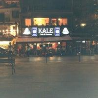 7/10/2013 tarihinde Yigit A.ziyaretçi tarafından Kale Cafe'de çekilen fotoğraf