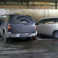 Photo taken at Salon Mobil / Cuci Steam by Norman W. on 12/6/2012