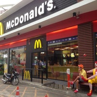 Photo taken at McDonald's by Manabu K. on 4/11/2013