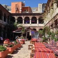Photo prise au Taşhan Historical Bazaar par Mehmet O. le4/13/2013