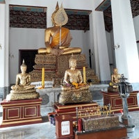 Photo taken at Wat Ratcha Orasaram by พงษ์สุวัชร์ ใ. on 1/13/2017