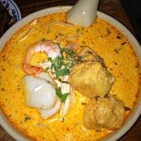 Photo taken at Taste Good Malaysian Cuisine 好味 by Caroline K. on 10/30/2012