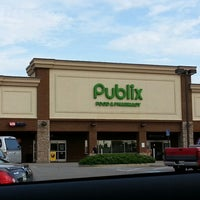 Photo taken at Publix by Robert W. on 8/10/2013