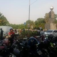Photo taken at Pasar kaget, Taman Yasmin by Fachrul A. on 10/12/2014