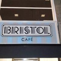 Foto tomada en Bristol Café por Andrés V. el 3/23/2015