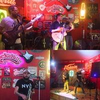 Foto tomada en Rockabilly Snacks & Beer por Maricruz B. el 5/20/2017