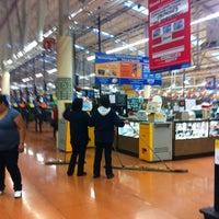 Foto tomada en Walmart por Jacquii G. el 1/31/2013