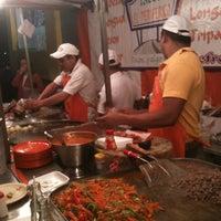 Foto tirada no(a) Tacos El Periferico por YolO_0 P. em 10/29/2012