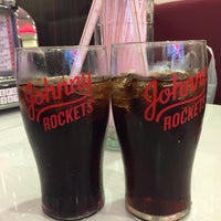 Foto tirada no(a) Johnny Rockets por Katia K. em 6/11/2017