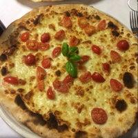 Foto scattata a Pizzeria Charlot da Michela F. il 11/2/2013